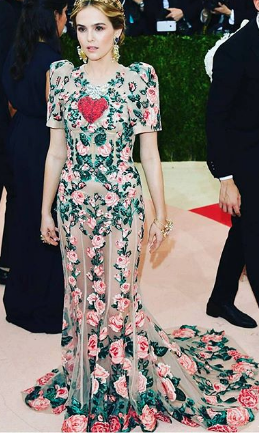 Zoey Deutch in Dolce & Gabanna